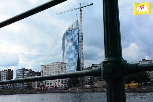 entonnoir_org a posté une photo:Tour des finances, Liège, Arnaud Ferrante