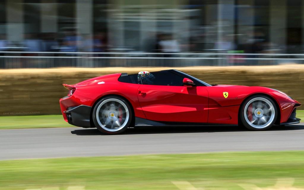 Ferrari F12 TRS.