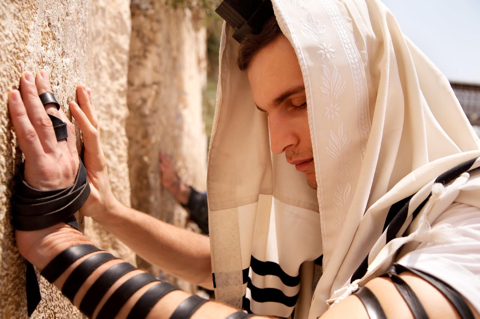Jersusalem_Western Wall_Tefillin_7_Noam Chen_IMOT