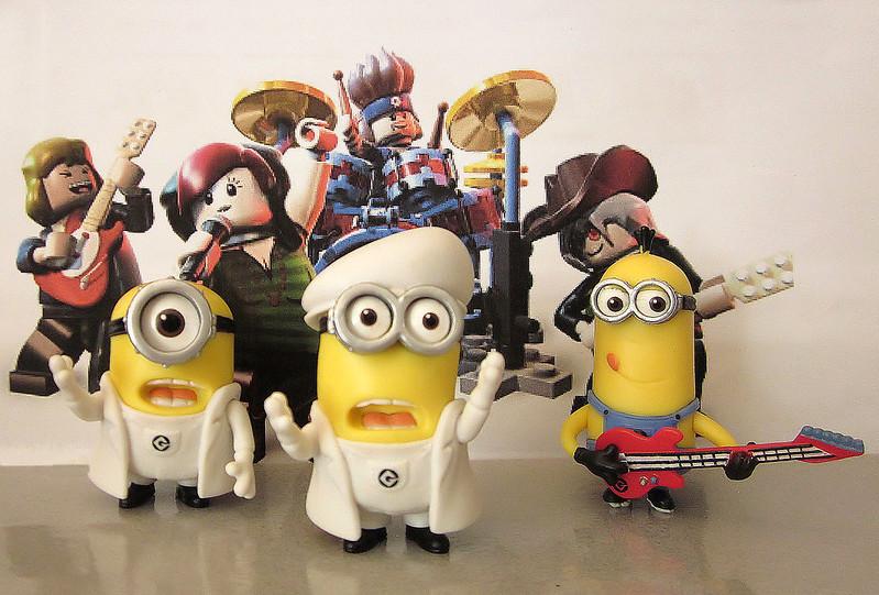 Singing Minions