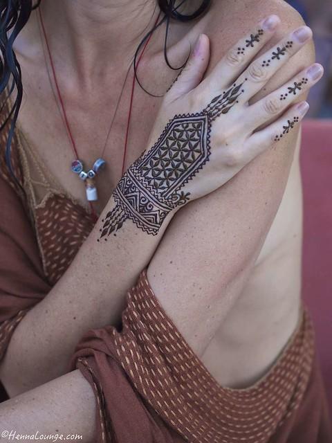 Seed of life henna by www.hennalounge.com