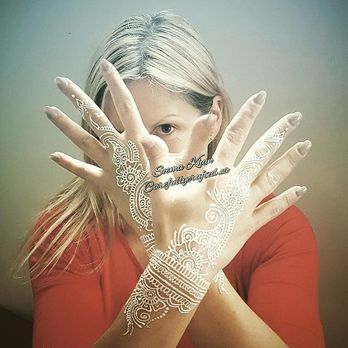A lovely capture of this #whitehenna session with a belly ...