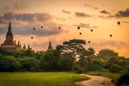 Sunrise at Bagan | by tehhanlin