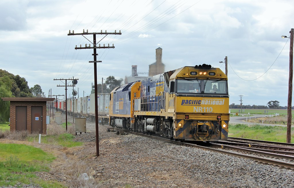 NR110 and AN3 blast through Murtoa after being held up for hours due a train fault by bukk05