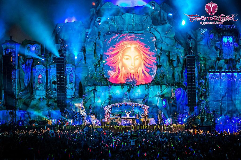 Armin Van Buuren Main Stage Tomorrowland 2013 Hd Wallpaper