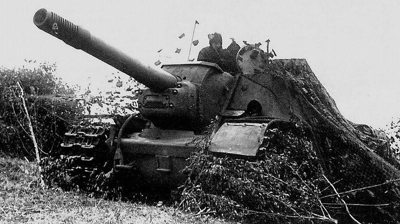 Močna Sovjetska SU-152