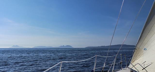 Illas Cíes vistas desde el velero Bosch