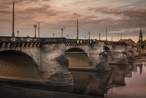 sightseeing fluss augustusbrücke bridge river elbe dresden ufer sunset sachsen augustusbrã¼cke deutschland de architecture