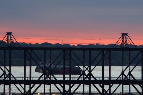 sunrise waterfront iowa ia mississippiriver riverfront davenport daveport arsenalbridge arsenalisland
