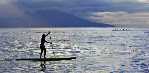 tahiti atoll beach boat island girl sunset polynesia woman ポリネシア モーレア ソシエテ諸島 francehpolynesia タヒチ society frenchpolynesia societyislands moorea 珊瑚礁 ngc manavasuiteresort
