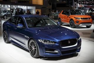 Jaguar-XE+LR-Discovery-Sport