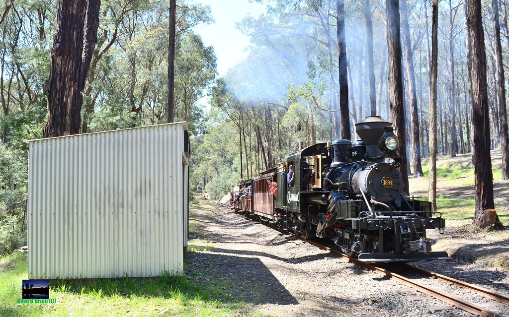 The 'Climax' works past Wright with a driver experience charter. 12/10/14 by Dave O'Brien