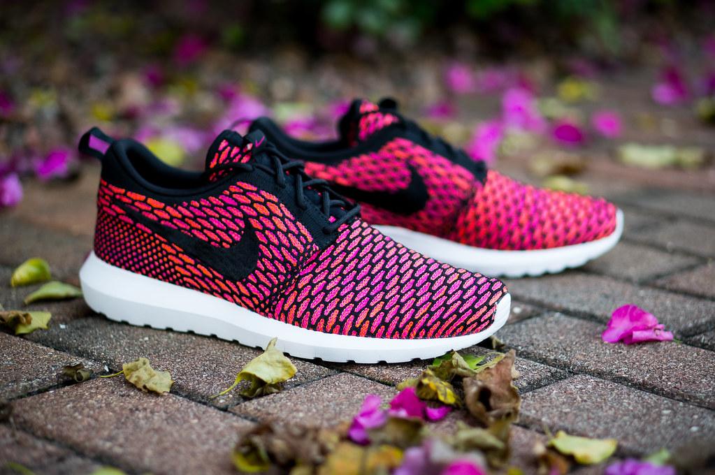 489faf597a79 ... Nike Rosherun NM Flyknit - Fireberry