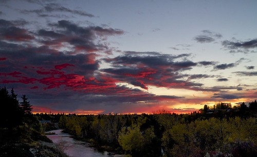 calgary fall clouds sunrise october sunday vivenza leefilter