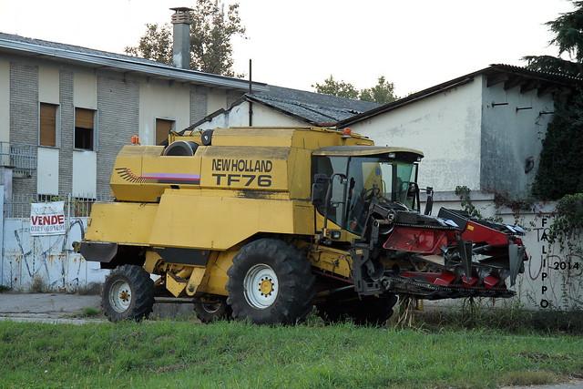 New Holland TF76