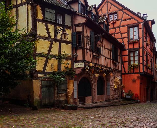 Encore des couleurs à Riquewihr - Riquewihr, a colorful village