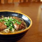 うるま市「麺そーれ」 ソーキそば 八重山そばと沖縄そばの店。無休。