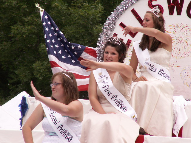 Princesses of Ellsworth, Wisconsin