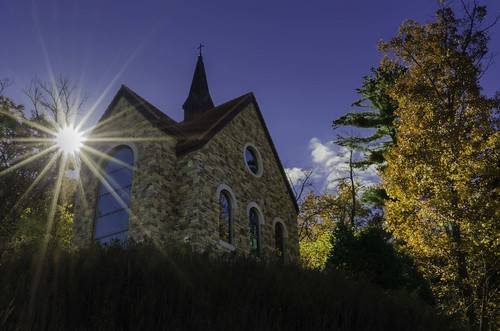 morning autumn fallleaves wisconsin sunrise chapel 1224mm lacrossewisconsin ourladyofguadalupeshrine nikond7000