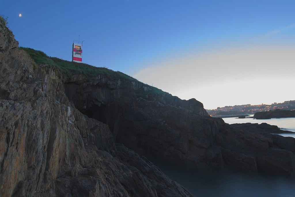 Faro de la Cueva de la Paloma