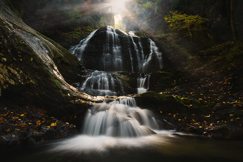 longexposure autumn light fall nature water waterfall vermont newengland foliage stowe chasinglight