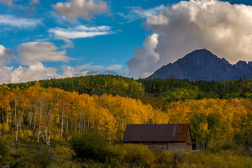 sunset barn fallcolors sanjuanmountains