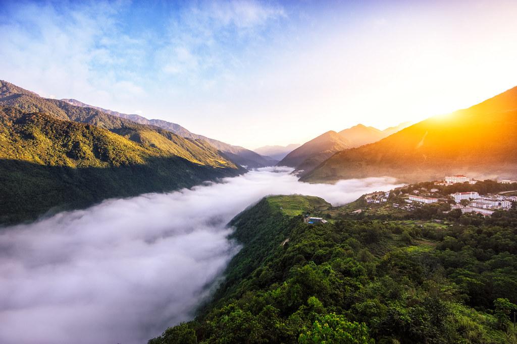 Sunrise at Motuo Town, Tibet, China