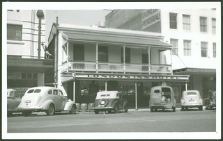 London Inn Hotel, Flinders Street, 1955 | by State Library of South Australia