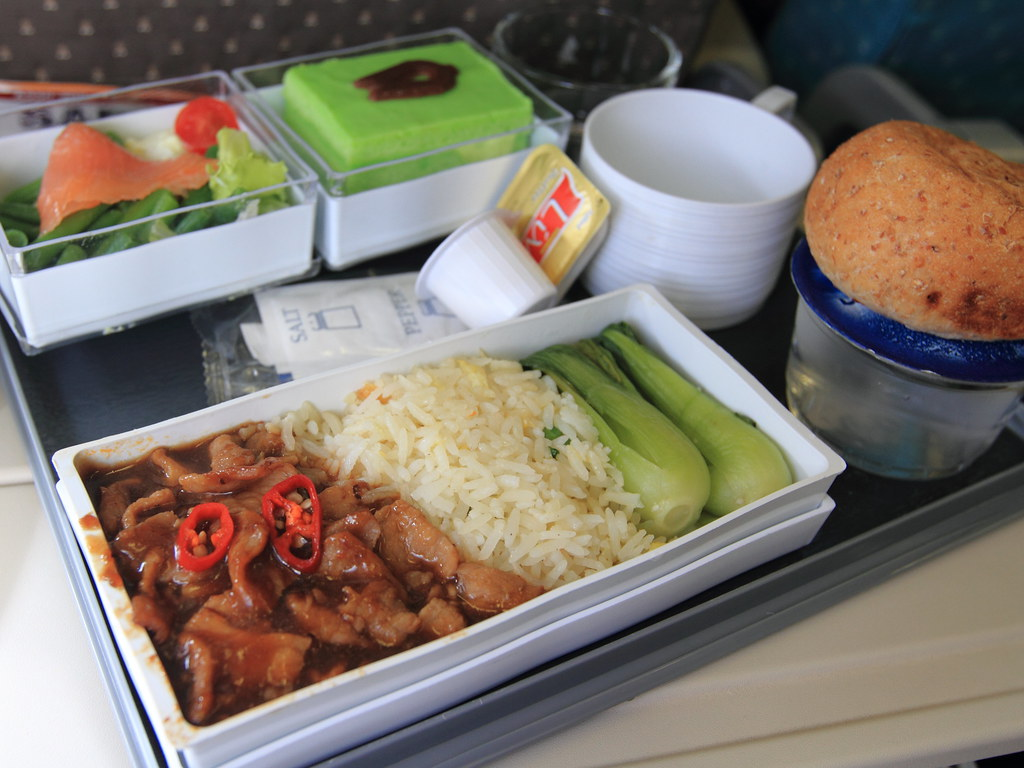 In-flight Meal - Singapore Airlines | Lunch Economy Class Ro ...