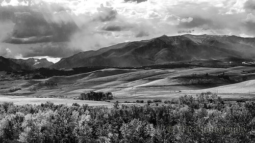 autumn sky bw cloud mountain mountains fall monochrome clouds rural landscape landscapes scenery montana ray skies mt scenic peak snowcapped rockymountains rays peaks roscoe beartoothmountains mountainous therockies carboncounty custernationalforest southernmontana mt78 peabodyditch montanahighway78