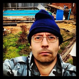 Я на даче на фоне бассейна | by Бродяга