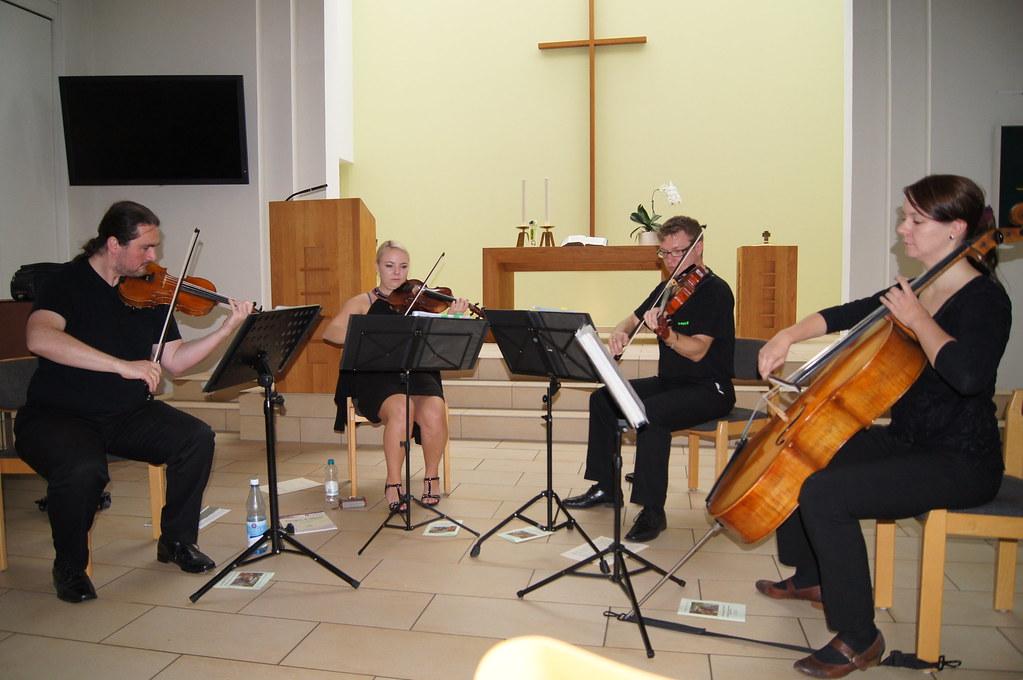 Konzert in Düsseldorf-Heerd in der evangelischen Kirche im Oktober 2014