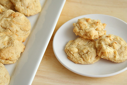 white chocolate macadamia nut cookies 5 | by crumblycookie