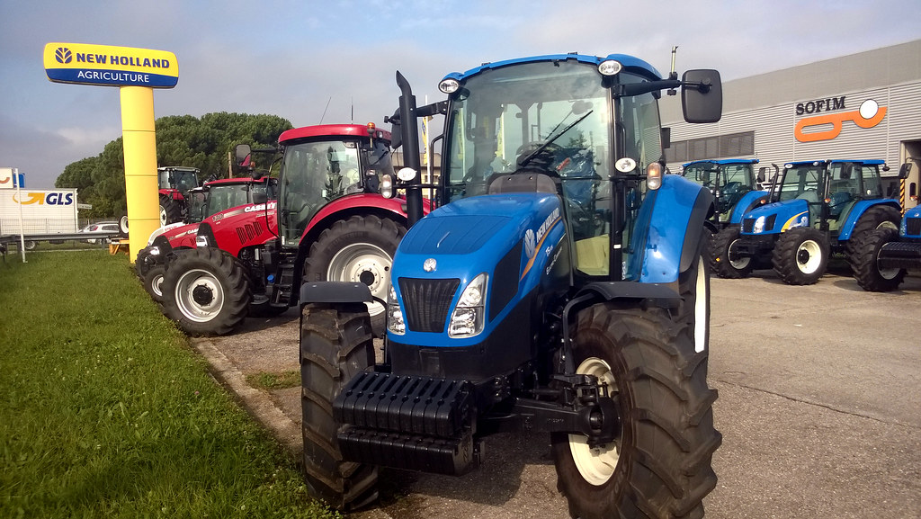 New Holland T5 105 Electro Command   Mauro Zoch   Flickr
