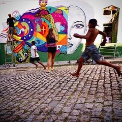Dia lindo aos Pés do Cristo, criançada se diverte ☀ #diadascrianças #rio #corcovado #Cristo #arte #graffiti #rua #diverção #livestyle #leiga #png #mundano #sweg #enois