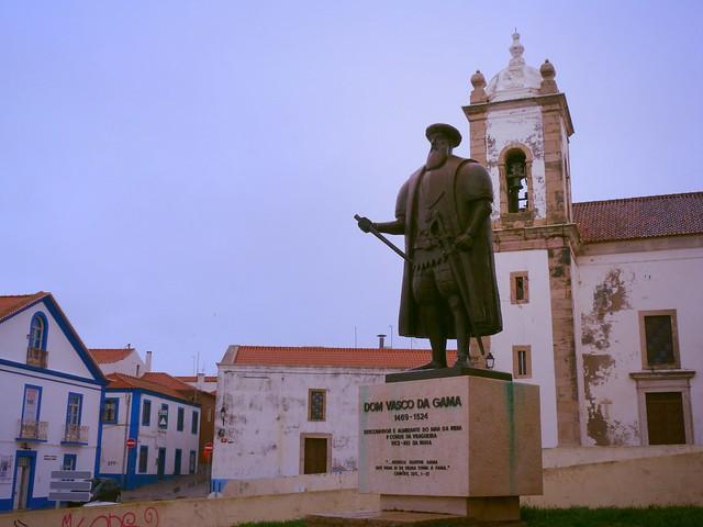 Estatua de Vasco de Gama en Sines (Alentejo, Portugal)