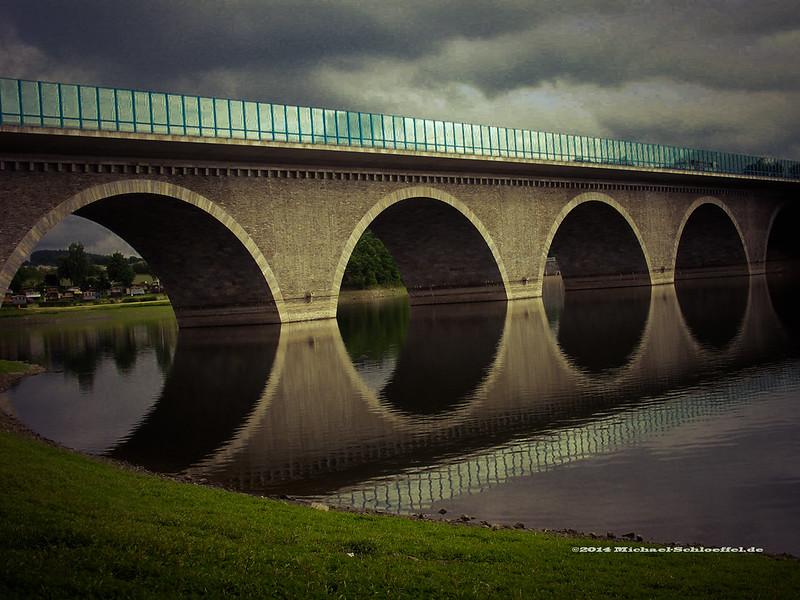 Brücke LR atomic sky-008