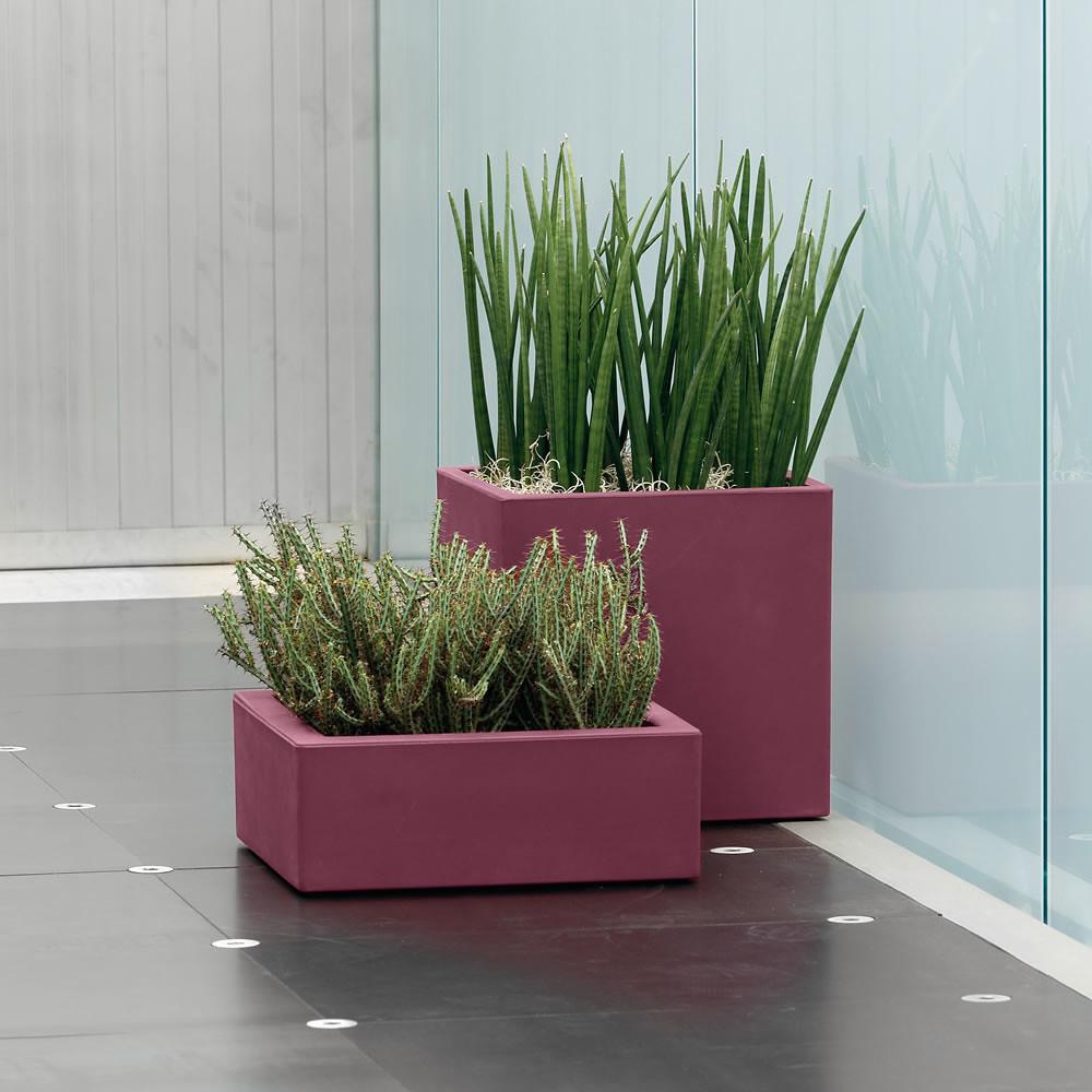 Vaso moderno esterno interno mimos momus for Vaso da interno moderno