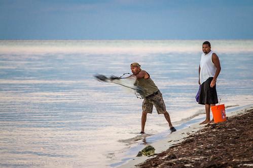 net beach sunrise keys bucket fishermen florida cast bait bahiahonda castnet