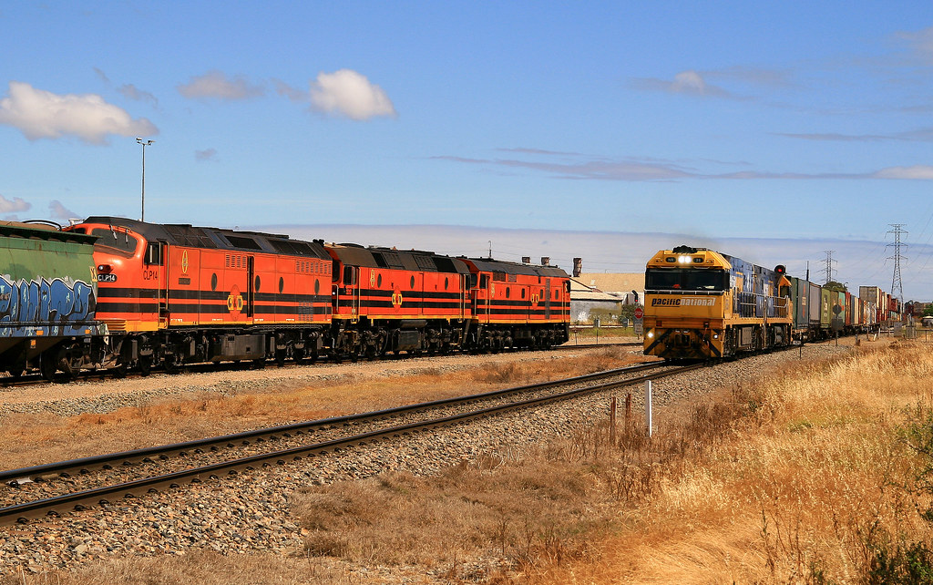 7MP5 NR38 & NR26 Xing 1341s Empty grain to Loxton 703, 2212 & CLP14 Dry Creek 16/11/14 by Trackside Photography Australia