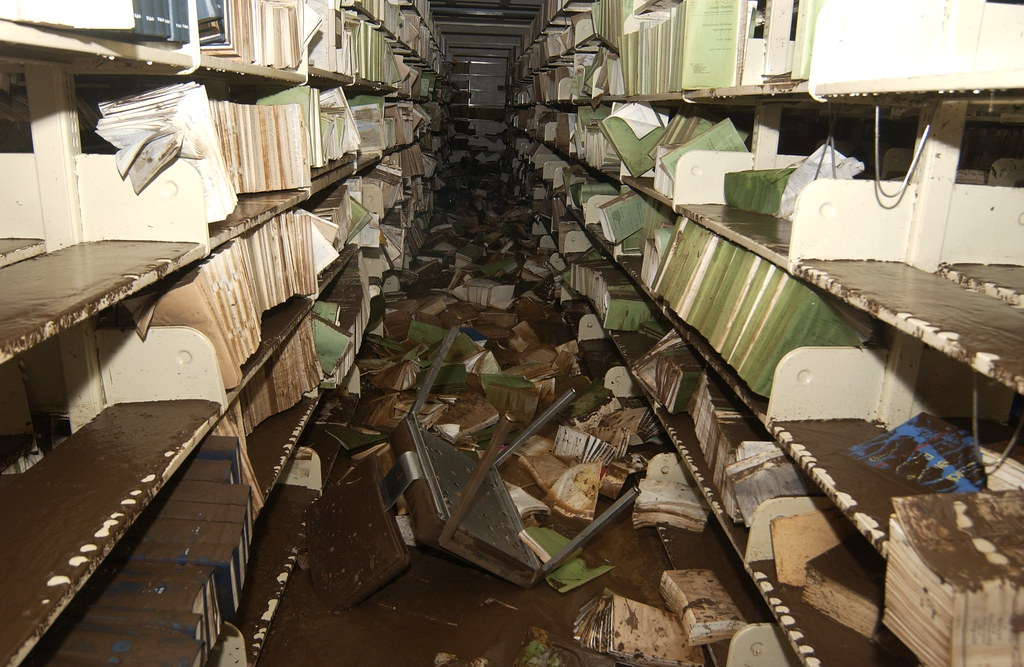 <p>Hamilton Library stacks after the October 30, 2004 flood.</p>
