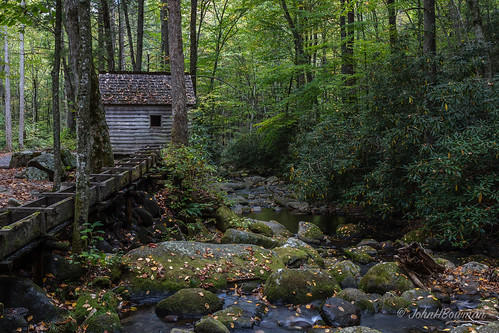 tennessee seviercounty tnmountains parks nationalparks greatsmokymountainsnp nrhp mills reaganmill flumes weatheredwood riversandstreams roaringfork october2016 october 2016 canon24704l