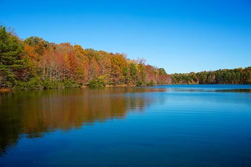 blue autumn red orange lake green fall water colors virginia hampton crystallake sandybottomnaturepark