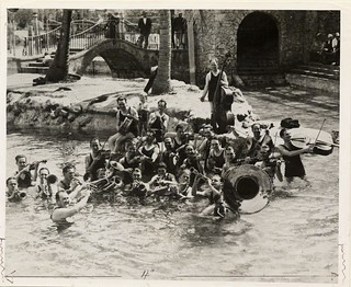 The Paul Whiteman Band performing in the Venetian Pool for the grand opening in 1925.