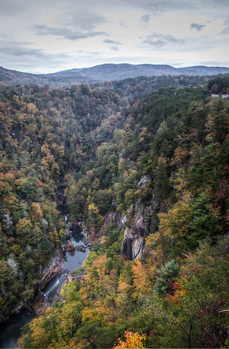 autumn trees usa mountains fall nature water colors river georgia season waterfall nikon colorful natural hiking south seasonal canyon foliage southern trail gorge overlook inspirationpoint bridalveilfalls hdr northgeorgia tallulahgorge tallulahfalls tallulahriver chattahoocheenationalforest photomatix rabuncounty georgiastateparks tallulahgorgestatepark northrimtrail slidingrockfalls d7000 stgrundy
