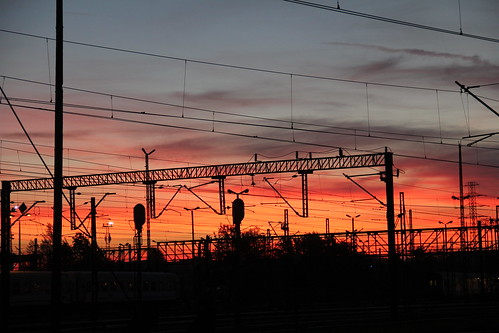 railroad morning sky colors station electric clouds sunrise canon dawn colorful traction poland polska rail railway signals poles e30 catenary wrocław pkp e59 lowersilesia dolnośląskie dolnyśląsk wrocławgłówny canoneos550d canonefs18135mmf3556is d29271 d29132 d29276 d29273 d29285 d29763