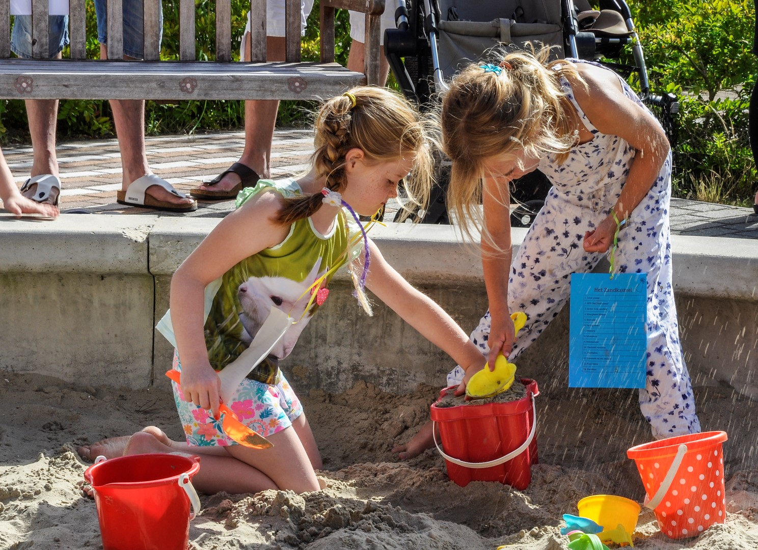 Verjaardagsfeest in het zandkasteel (38)