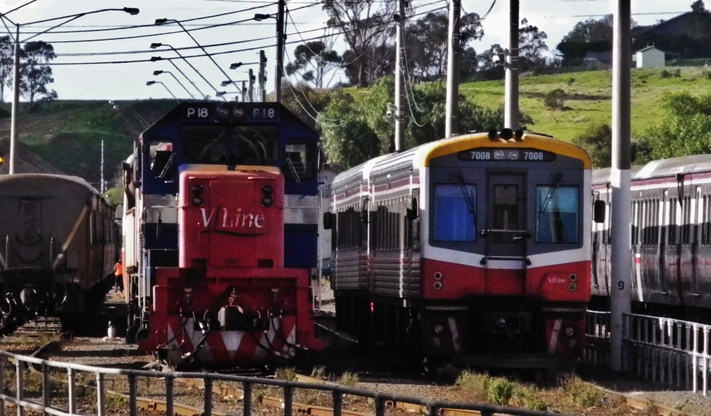 P18 and 7006 at Bacchus Marsh on the 8 June 2014 by Rodney S300