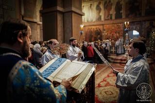 Литургия в Софийском соборе 380