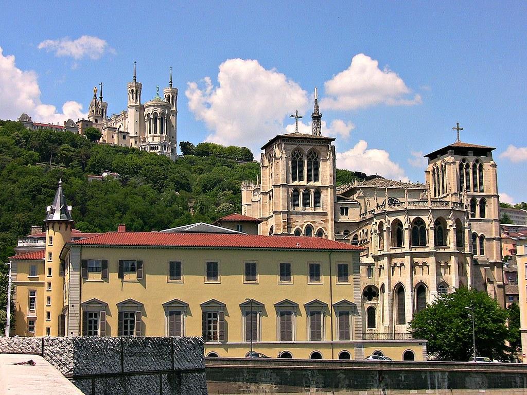 FRANCE -  unterwegs in Lyon,  Am Platz Bellecour, Kathedrale Saint-Jean, 12002a/4110